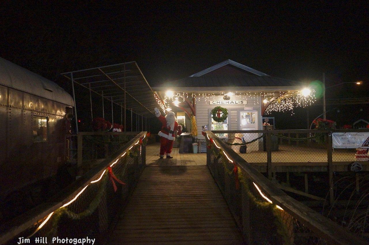 santa at the Depot Polar Express copyright_Jim Hill (8)