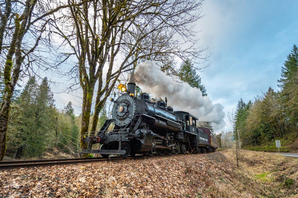 steam-train-fall-leaves